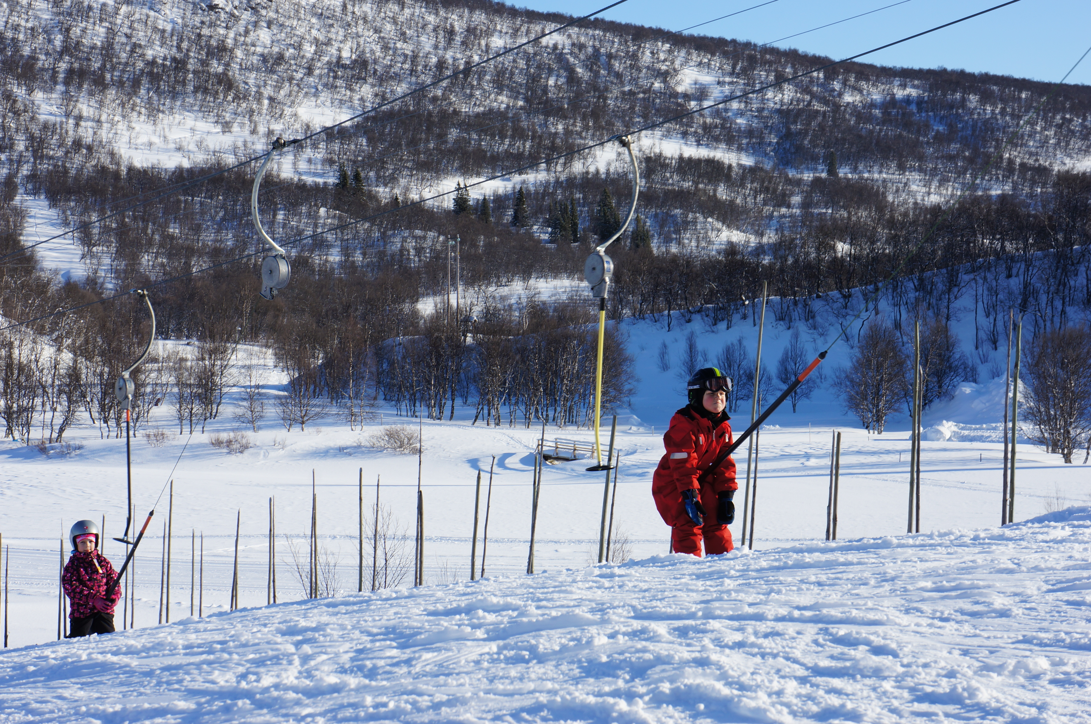 på skidresa med barn