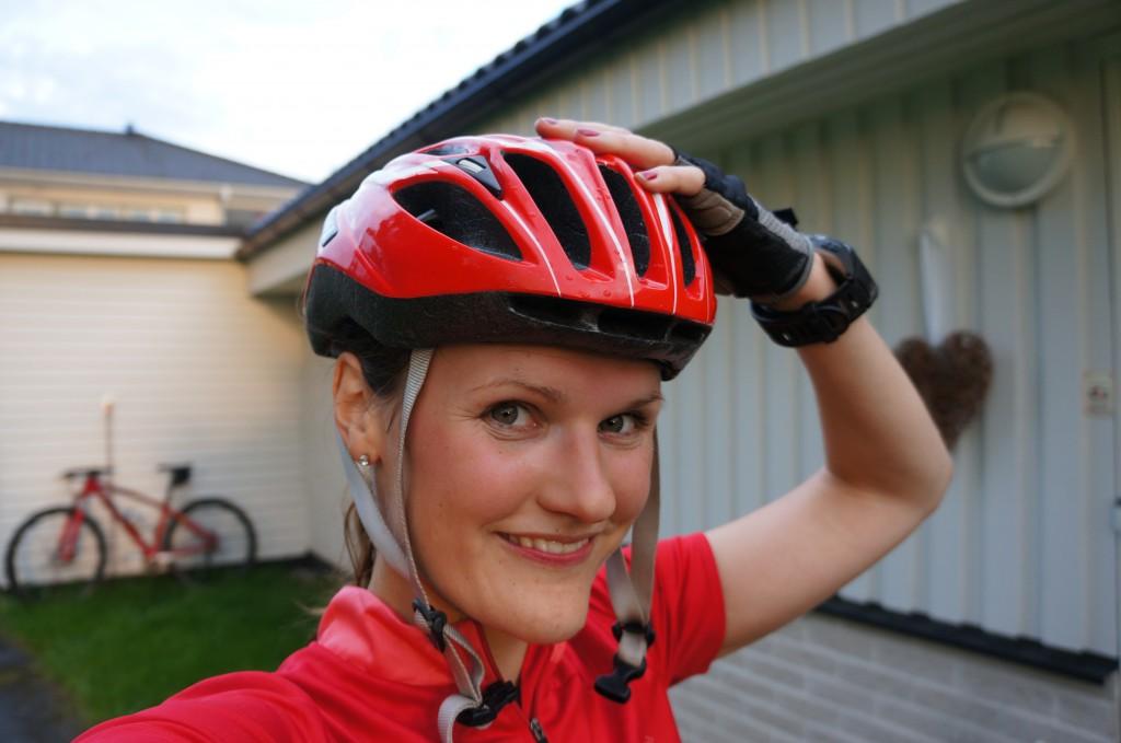 058 1024x679 Röda cykelkläder (Äntligen träning igen)