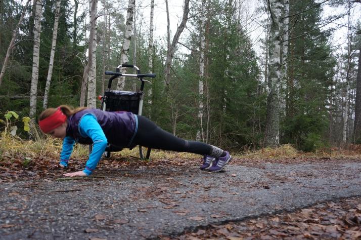 barnvagnspromenad styrketräning