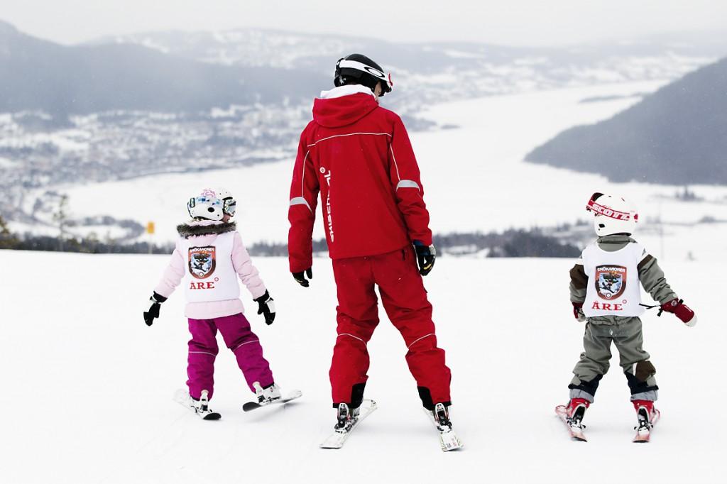 Åre skistar skidåkning med barn