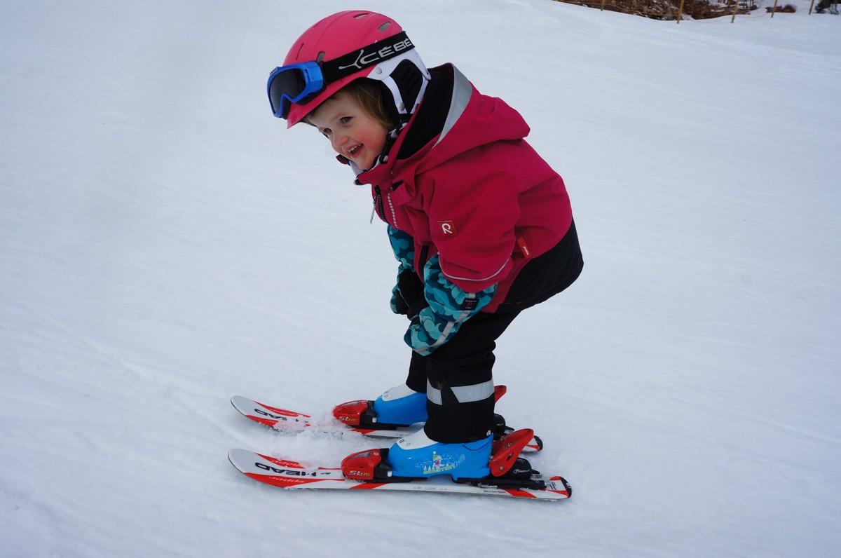 liten skidåkare