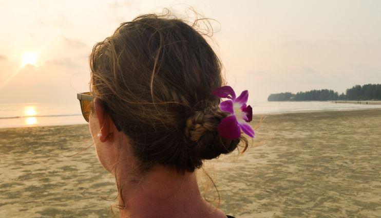solnedgångsyoga på memory beach
