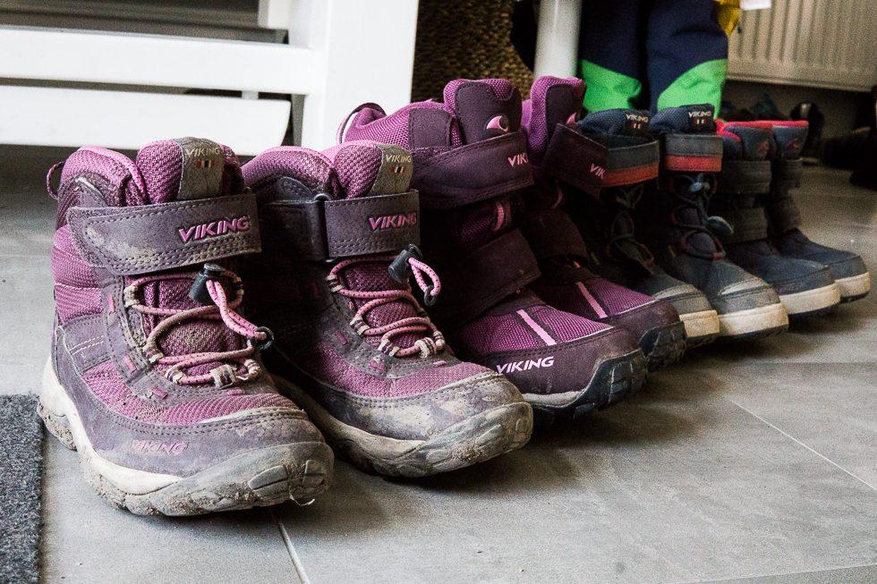 8a06408889b Dessa skor har använts mer eller mindre varje dag. Stora E har också haft  sina mockastövlar Nordlys som jag berättat om i andra inlägg – varma  vinterskor ...