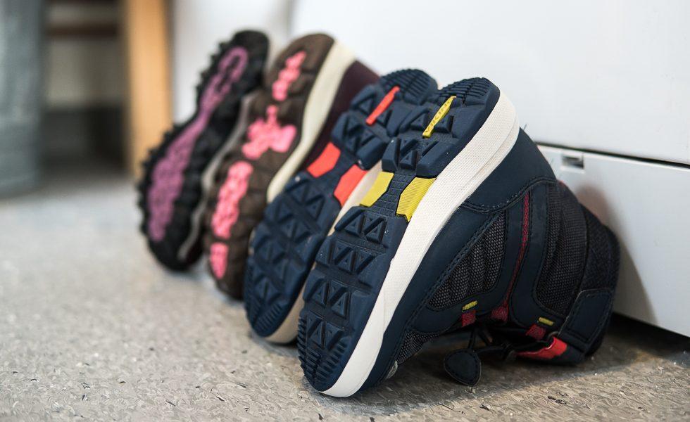fb1545cb22b En ny ägare vill kanske lägga i en ny innersula till nästa säsong i lilla  E's skor, han verkar ha slitit hårdare på innersulorna än storasyster.